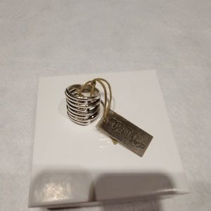 NWT UNOde50 STERLING SILVER RING